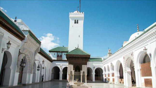 مكانة المسجد في الإسلام وشمول وظائفه لمصالح الدنيا والآخرة