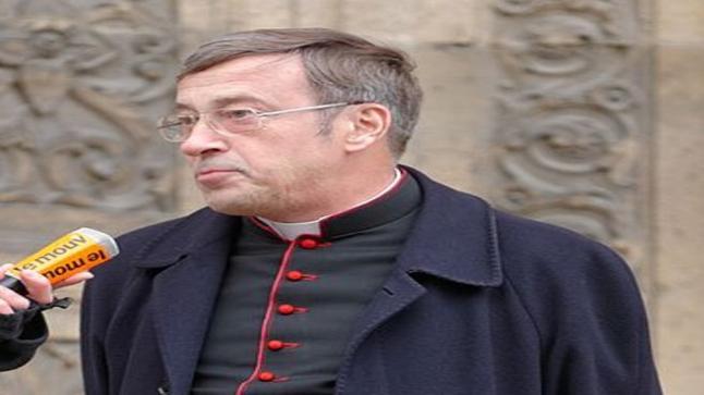 في حديث إذاعي: رجل دين فرنسي يصرح أن 30٪ من المؤمنين لم يعودوا إلى الكنائس بعد الحجر الصحي