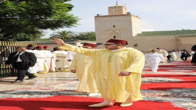 الملك محمد السادس يؤدي صلاة عيد الفطر المبارك